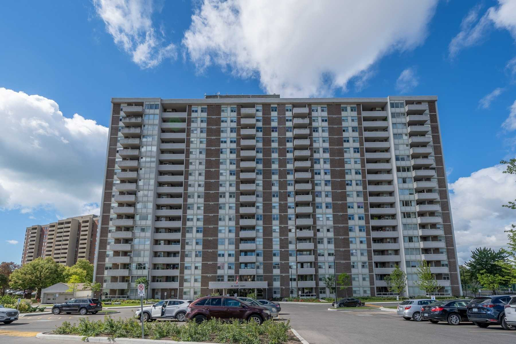 pictures of 44 Falby Crt, Ajax L1S3L1
