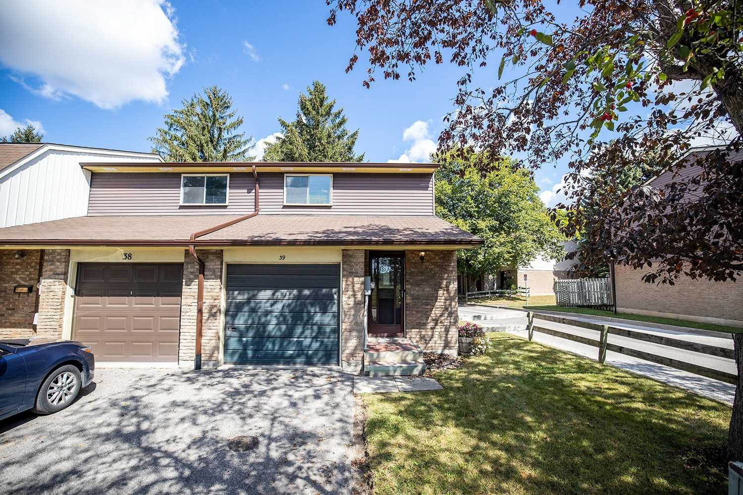 pictures of 925 Burns St W, Whitby L1N6J5