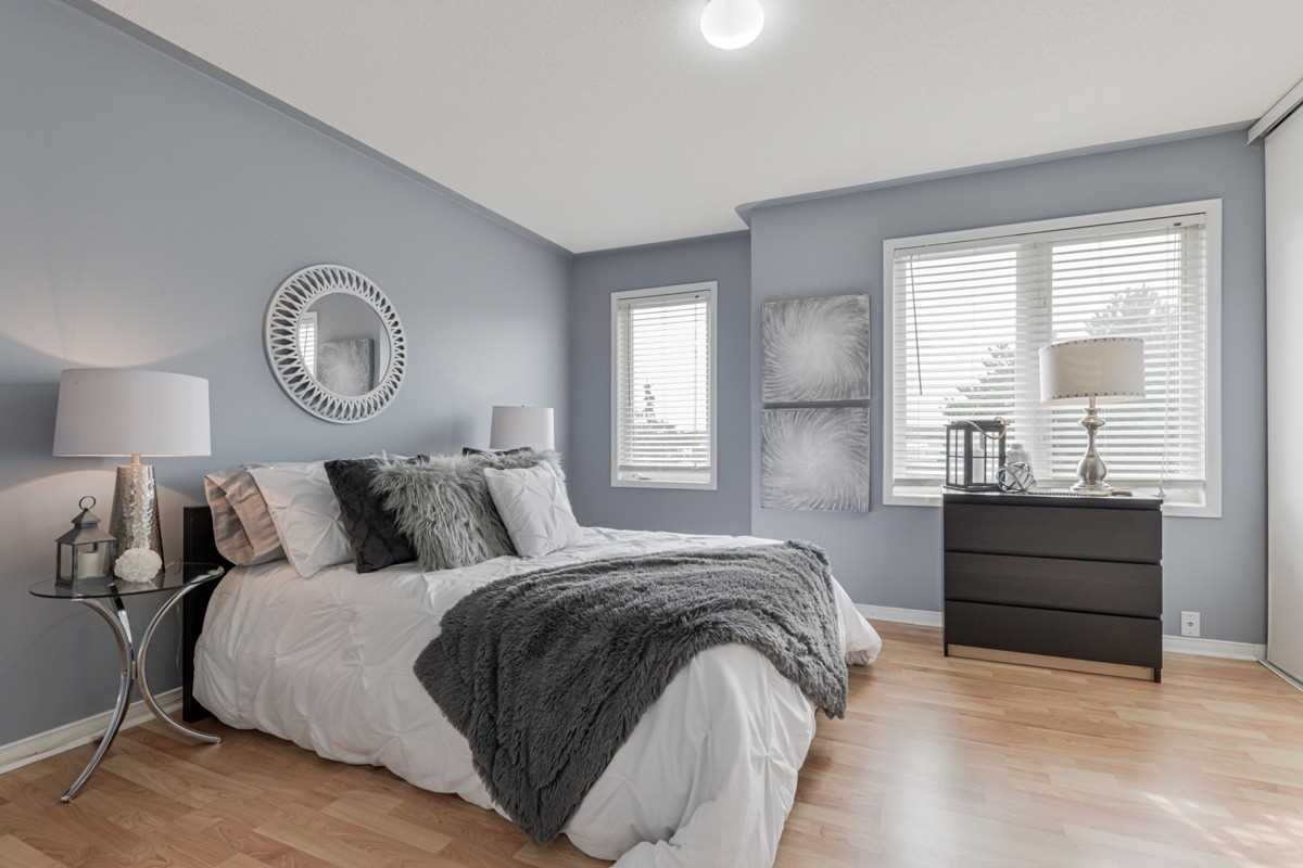 Image 3 of 19 showing inside of 2 Bedroom Condo Townhouse 2-Storey for Sale at 5 Pennefather Lane Unit# 56, Ajax L1T4H2