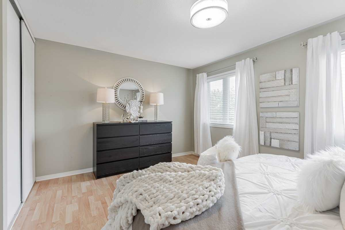 Image 7 of 19 showing inside of 2 Bedroom Condo Townhouse 2-Storey for Sale at 5 Pennefather Lane Unit# 56, Ajax L1T4H2