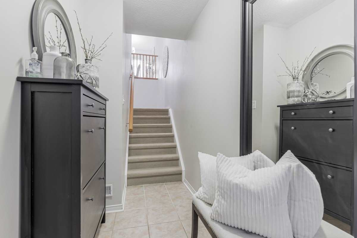 Image 13 of 19 showing inside of 2 Bedroom Condo Townhouse 2-Storey for Sale at 5 Pennefather Lane Unit# 56, Ajax L1T4H2