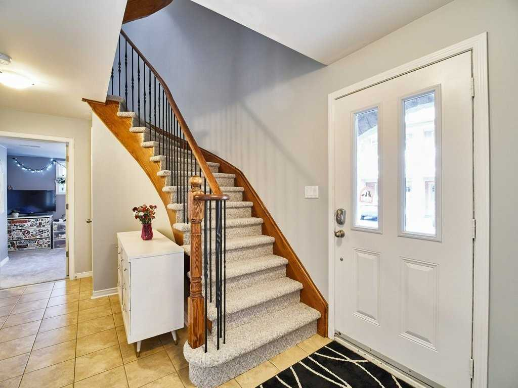 Image 5 of 40 showing inside of 4 Bedroom Condo Townhouse 3-Storey for Sale at 1701 Finch Ave E Unit# 74, Pickering L1V0B7