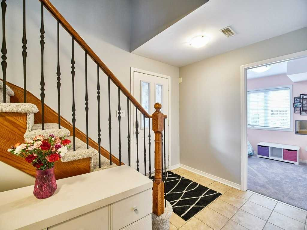 Image 6 of 40 showing inside of 4 Bedroom Condo Townhouse 3-Storey for Sale at 1701 Finch Ave E Unit# 74, Pickering L1V0B7