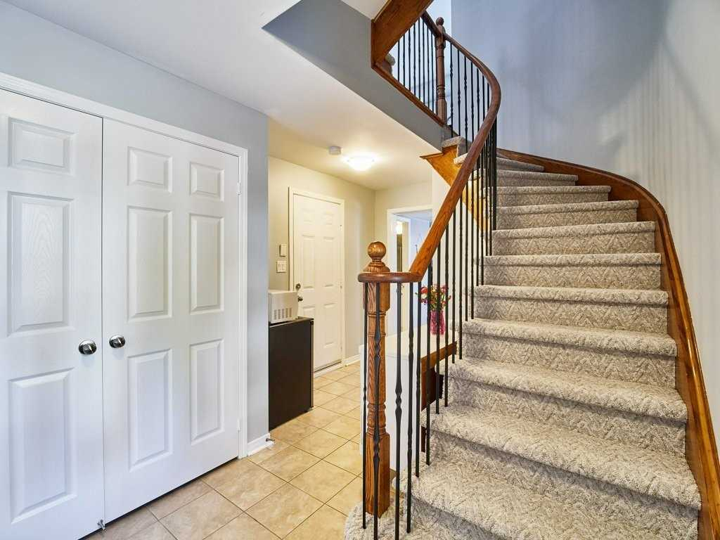 Image 9 of 40 showing inside of 4 Bedroom Condo Townhouse 3-Storey for Sale at 1701 Finch Ave E Unit# 74, Pickering L1V0B7