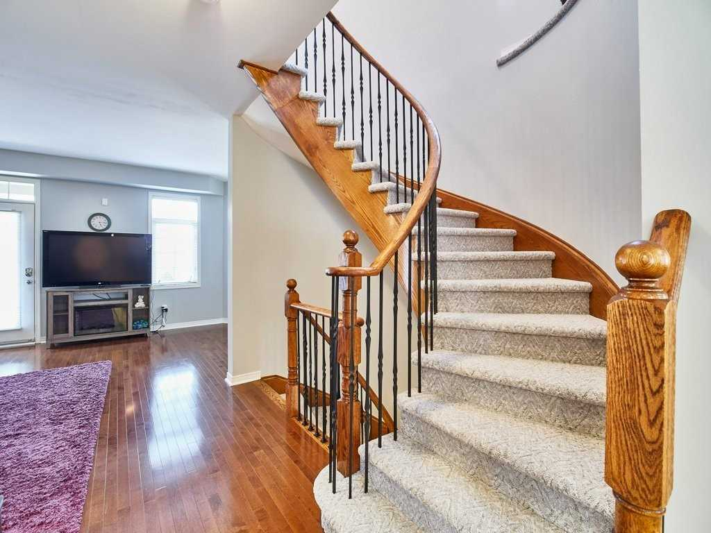 Image 22 of 40 showing inside of 4 Bedroom Condo Townhouse 3-Storey for Sale at 1701 Finch Ave E Unit# 74, Pickering L1V0B7
