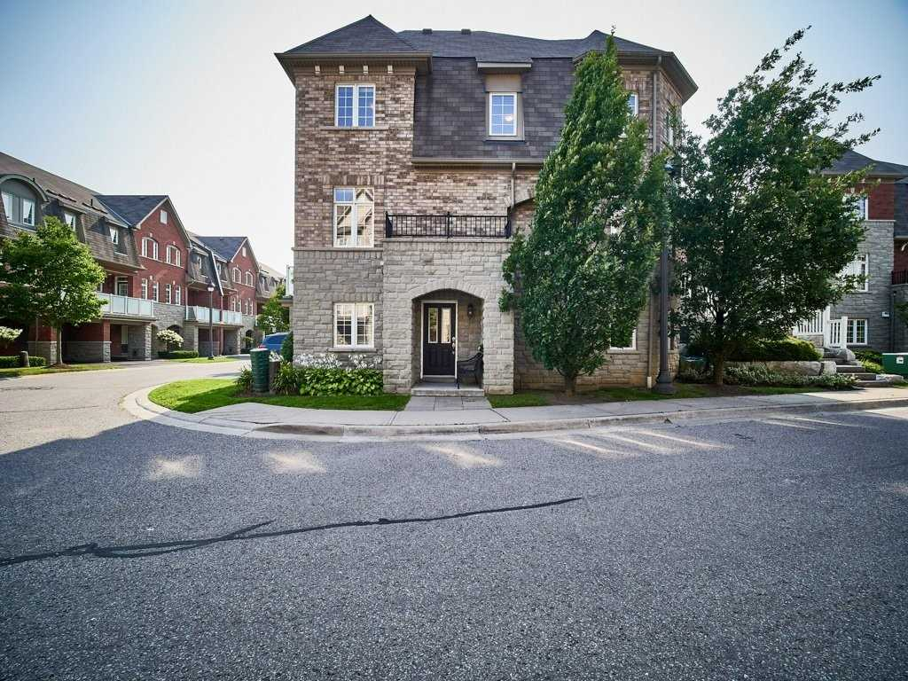Image 34 of 40 showing inside of 4 Bedroom Condo Townhouse 3-Storey for Sale at 1701 Finch Ave E Unit# 74, Pickering L1V0B7