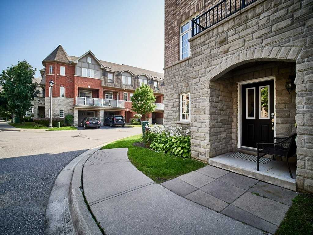 Image 36 of 40 showing inside of 4 Bedroom Condo Townhouse 3-Storey for Sale at 1701 Finch Ave E Unit# 74, Pickering L1V0B7