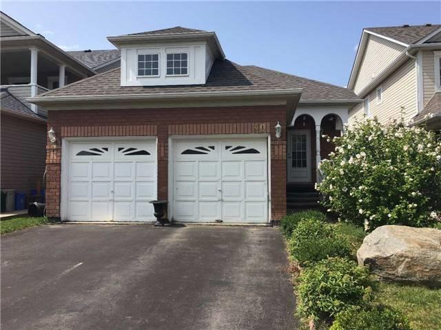 pictures of 30 Mccurdy Dr, New Tecumseth L0G1W0