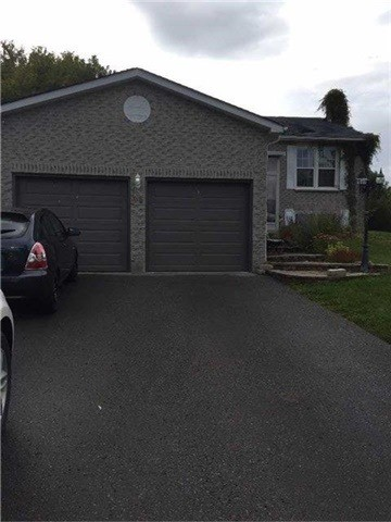 pictures of 44 Stonehill Blvd, East Gwillimbury L9N1E3
