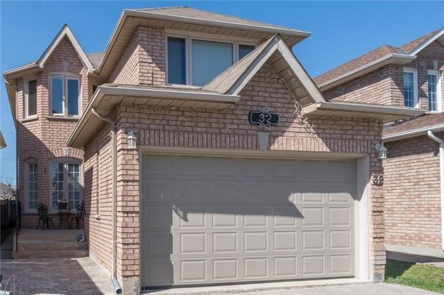 pictures of 32 Richbell St, Vaughan L4J8G5