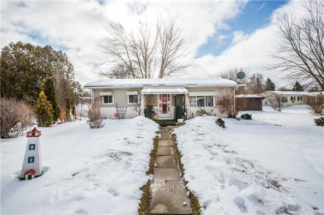 pictures of 9 Flora Dr, Innisfil L9S 1R3