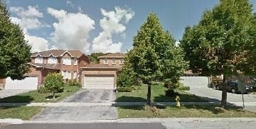 pictures of 120 Cromwell Rd, Vaughan L6A 1T9