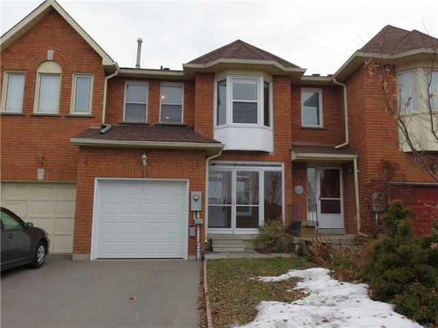 pictures of 11 Queensmill Crt, Richmond Hill L4B1N1