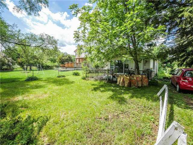 pictures of 4 River Dr, East Gwillimbury L9N1A7