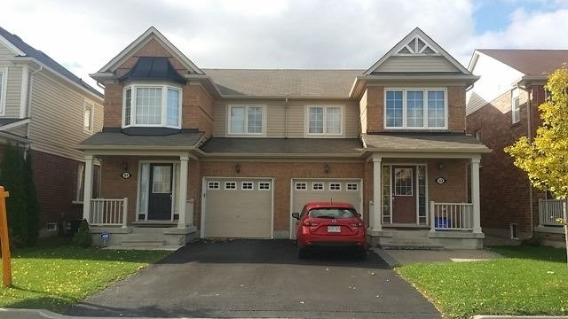 pictures of 33 Hiram Johnson Rd, Whitchurch-Stouffville L4A 0G7