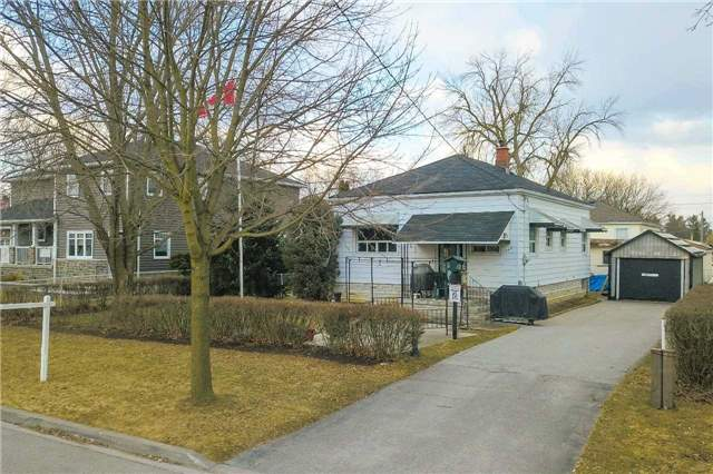 pictures of 742 Lowell Ave, Newmarket L3Y 1T5