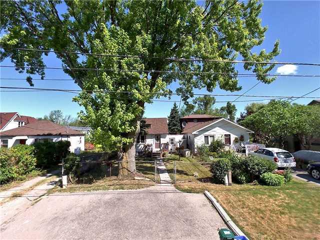 pictures of 264 Douglas Rd, Richmond Hill L4E3H7