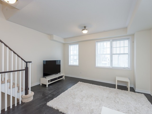 pictures of 143 Milt Storey Lane, Whitchurch-Stouffville L4A1Y2