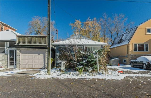 pictures of 23 Wildwood Ave, Richmond Hill L4E3B9