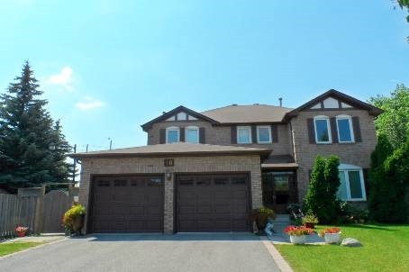 pictures of 18 Chillwood Crt, Markham L3R9N9