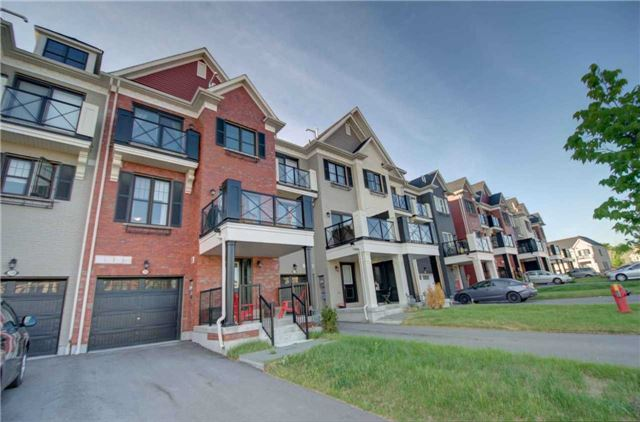 pictures of 235 Boadway Cres, Whitchurch-Stouffville L4A1Y4