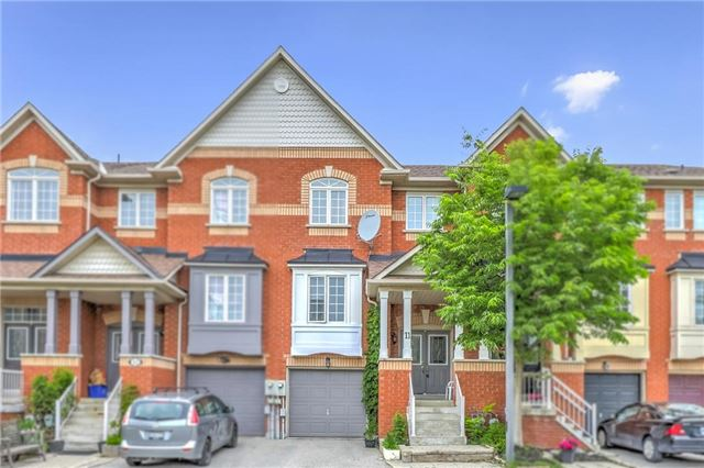 pictures of 10 Old Colony Rd, Richmond Hill L4E4L4
