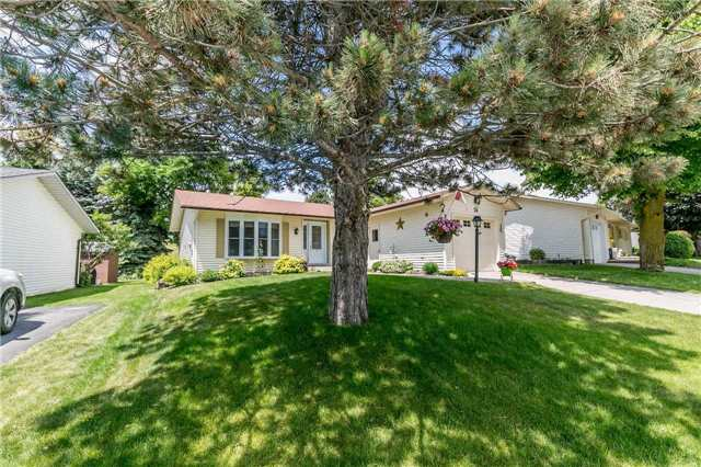 pictures of 26 Tecumseth Pines Dr, New Tecumseth L0G 1W0