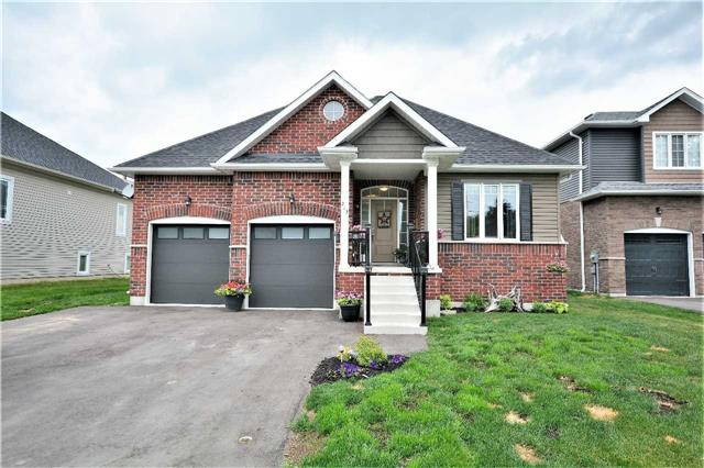 pictures of 217 Centre St, Clearview L0M1B0
