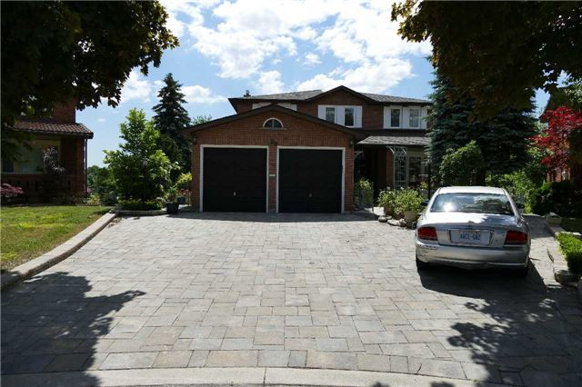 pictures of 29 Ivory Crt, Vaughan L4L4G2