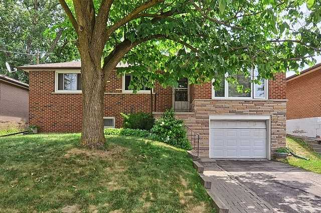 pictures of 213 Maplegrove Ave, Bradford West Gwillimbury L3Z1V3