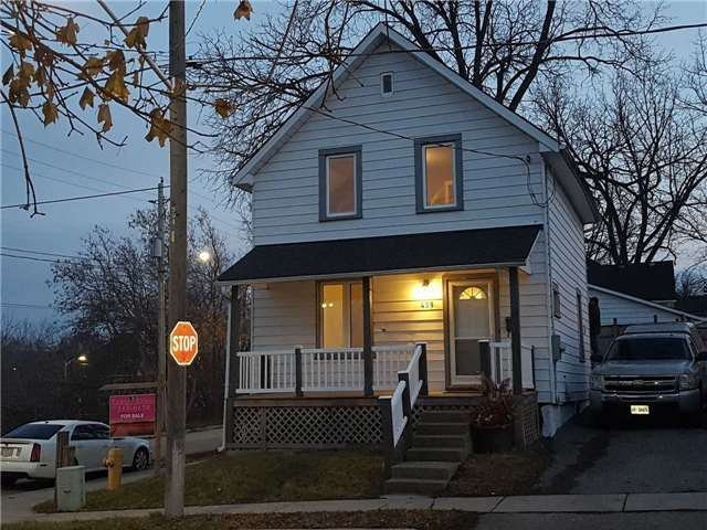 pictures of 458 Simcoe St, Newmarket L3Y2M6