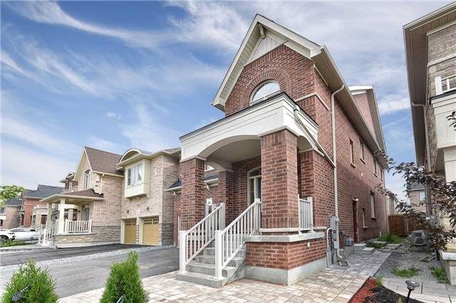 pictures of 15 Homerton Ave, Richmond Hill L4E0V9