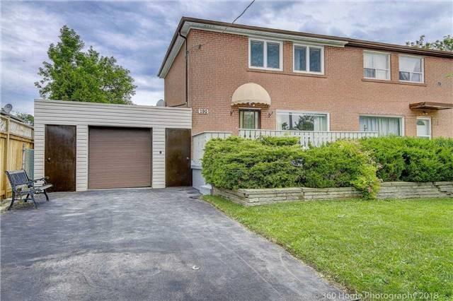 pictures of 290 Axminster Dr, Richmond Hill L4C2W1