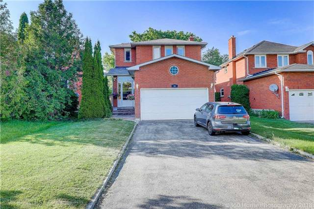 pictures of 35 Pine Bough Manr, Richmond Hill L4S1A6