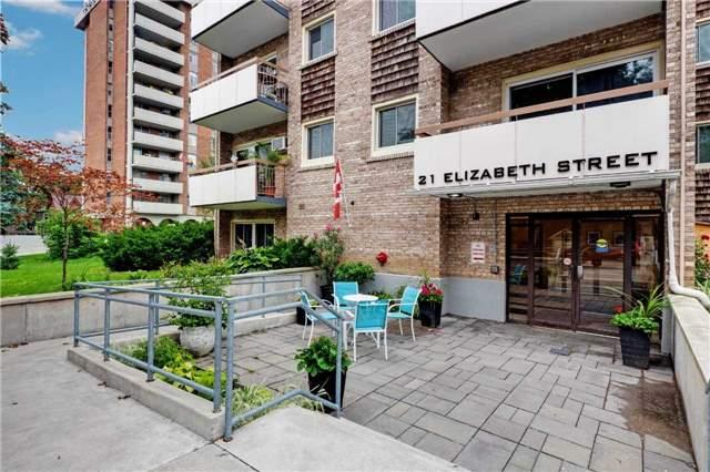 pictures of 21 Elizabeth St, Richmond Hill L4C3V5