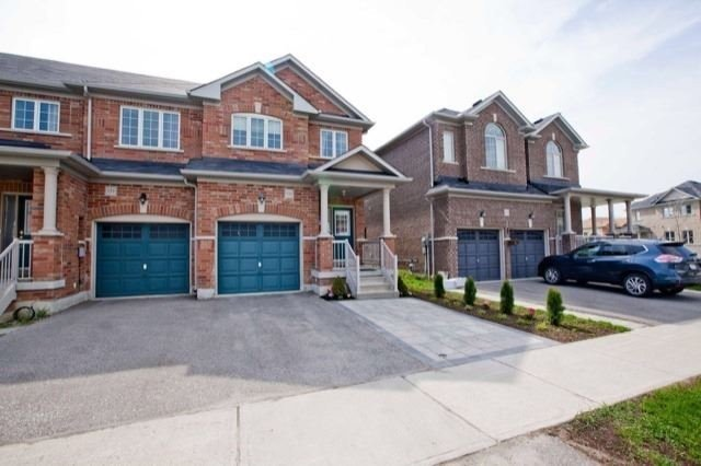 pictures of 133 Northway Ave, Whitchurch-Stouffville L4A0Y5