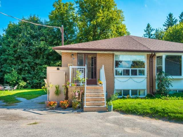 pictures of 105 Willow Lane, Newmarket L3Y4J1