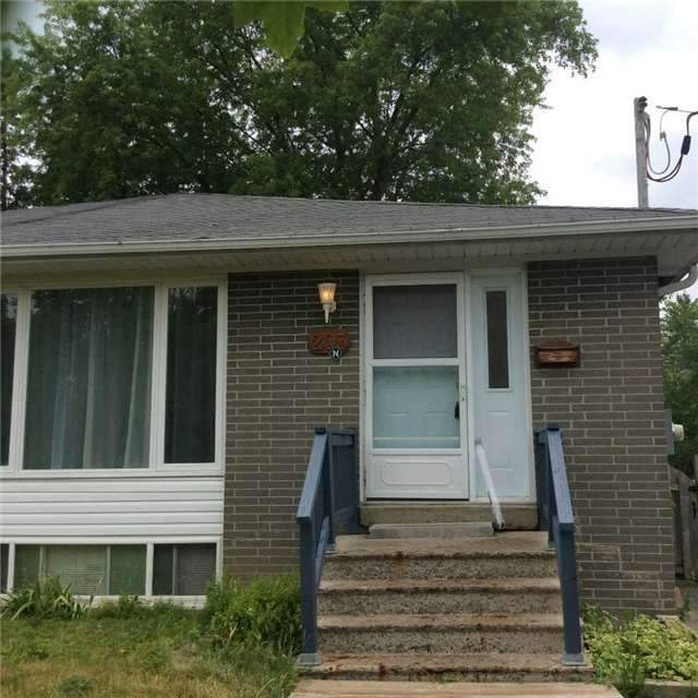pictures of 203 Penn Ave, Newmarket L3Y2S4