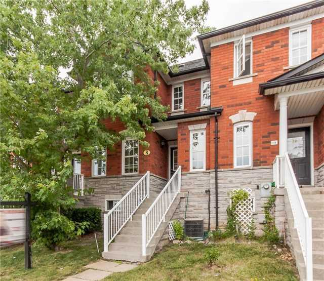 pictures of 8 Bantry Ave, Richmond Hill L4B4J4