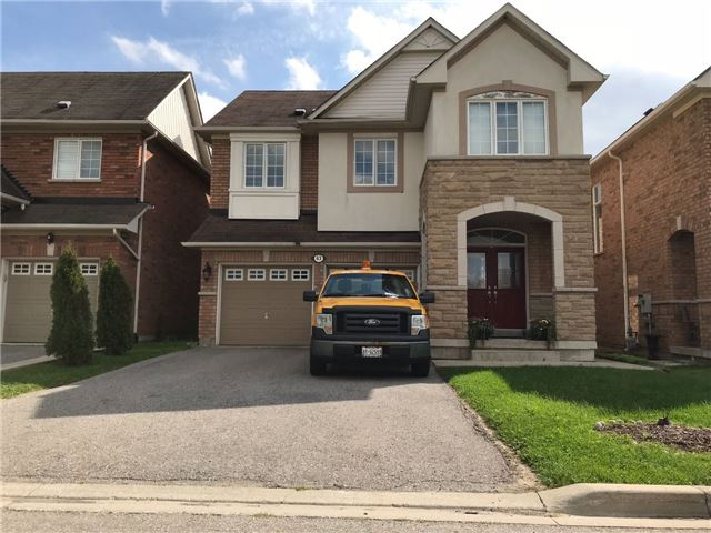 pictures of 63 Barnwood Dr, Richmond Hill L4E5A3