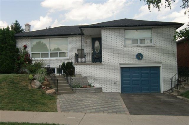 pictures of 97 Kulpin Ave, Bradford West Gwillimbury L3Z1T6