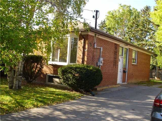 pictures of 401 Fernleigh Circ S, Richmond Hill L4C1E7