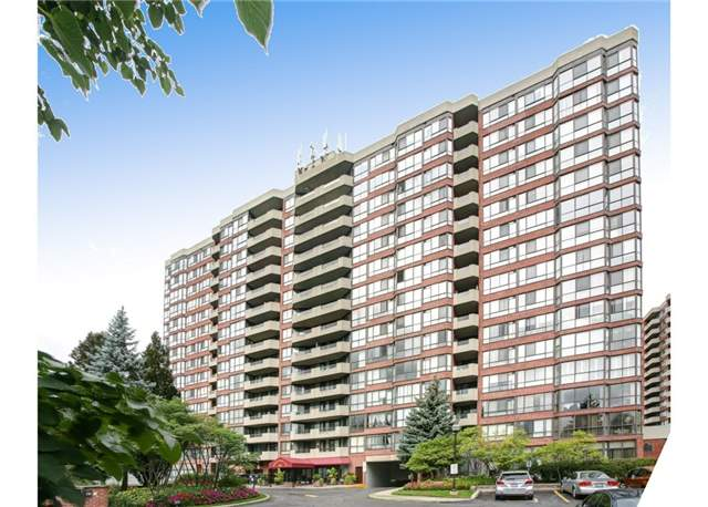 pictures of 100 Observatory Lane, Richmond Hill L4C1T4