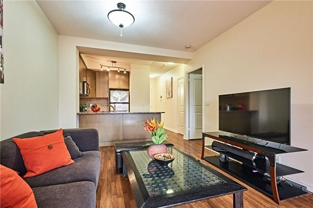 pictures of 9235 Jane St, Vaughan L6A0J7