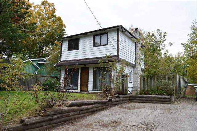 pictures of 27 Valley Rd, Whitchurch-Stouffville L4A2X7