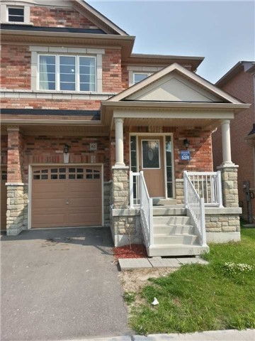 pictures of 63 Hare Farm Gate, Whitchurch-Stouffville L4A0Y6