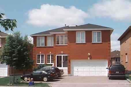 pictures of 200 Valleymede Dr, Richmond Hill L4B3S4