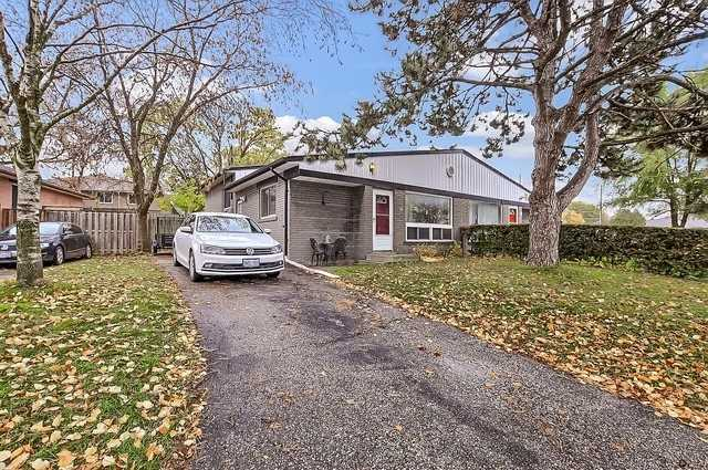 pictures of 16 Walter Ave, Newmarket L3Y2T3