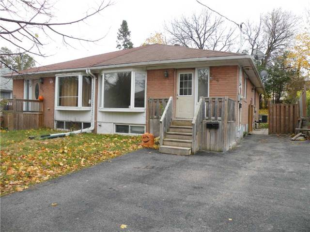 pictures of 224 Penn Ave, Newmarket L3Y2S5