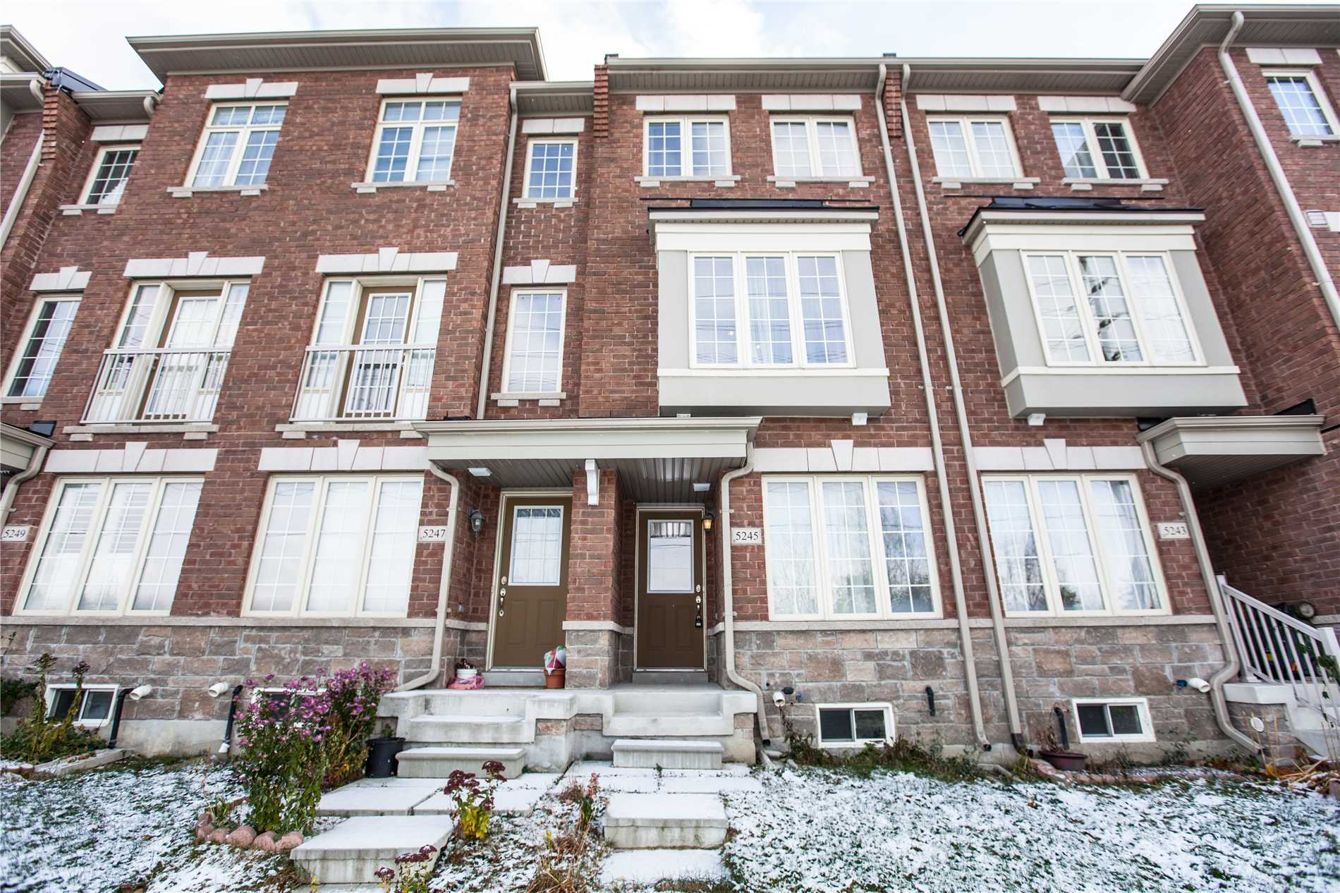 pictures of 5245 Major Mackenzie Dr E, Markham L6C0N3